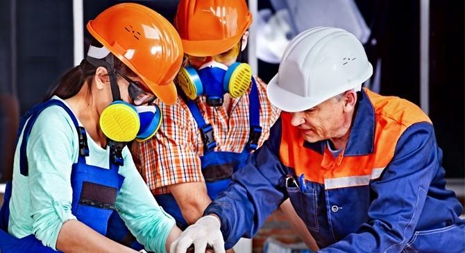 ... do Ministério do Trabalho e Emprego (MTE), o empregador é responsável  por adquirir o EPI (Equipamento de Proteção Individual) adequado ao risco   ... 0d67fb5f71